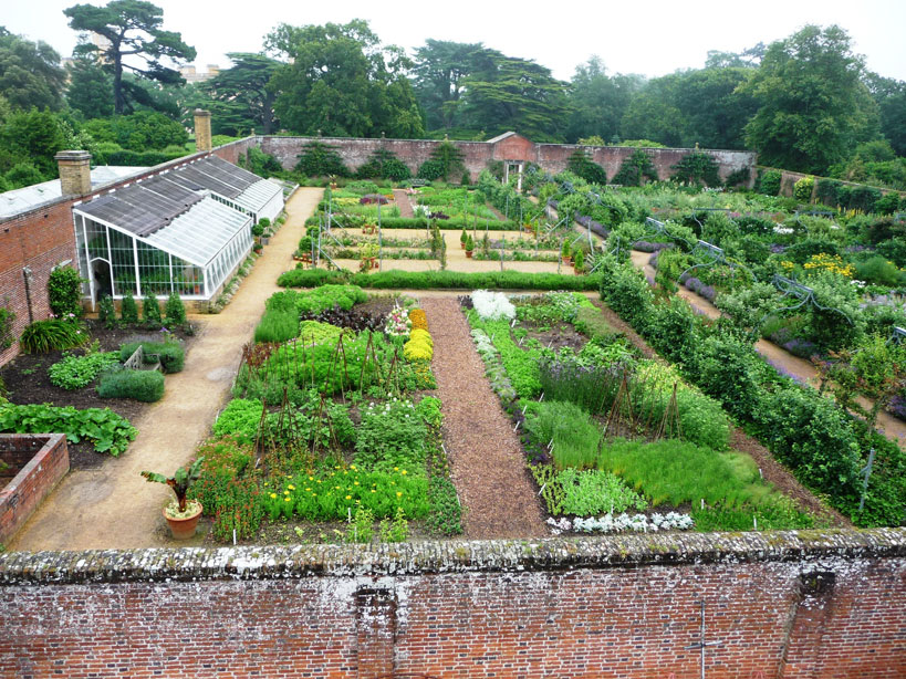 Aerial view of the Walled Garden (in the foreground, the annual bed)